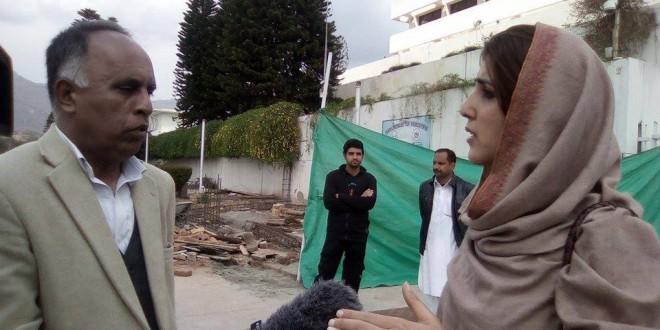 Imran Khan is discriminating behavior with workers: Ayesha Gulalai