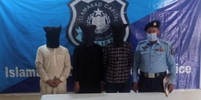 Three member of criminal gang held